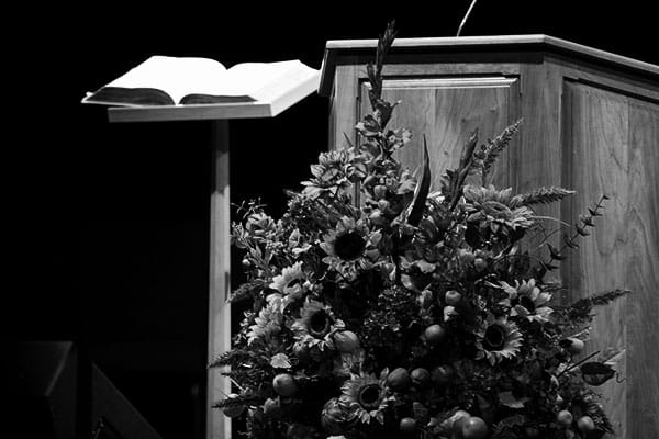 pulpit-small-min